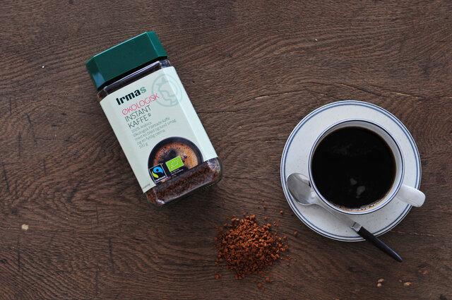  イヤマ インスタントコーヒー  ドイツのコーヒーロースターWertform GmbHが監修した、アラビカ種コーヒー豆100%のフェアトレード認証インスタントコーヒー。雑味の少ないまろやかな味わいを、アイスでもホットでも手軽に楽しめます。