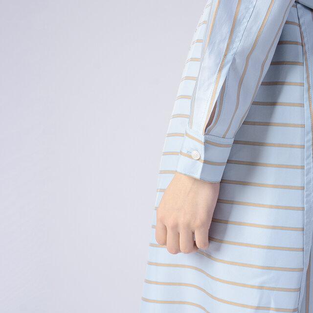 袖口はスクエアカフス仕様です。