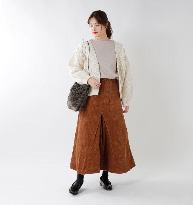model kanae:167cm / 48kg color : sahara / size : T3