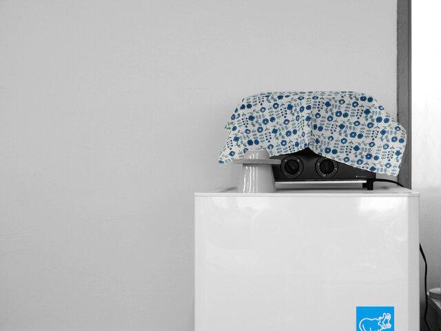 無機質な家電の目隠しにも。大判だから適度に隠せちゃいます。お部屋のイメージや、季節によって柄を選ぶのもおススメです。