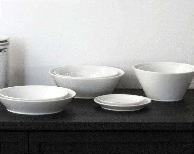 写真左から 深皿、浅鉢、平皿、深鉢